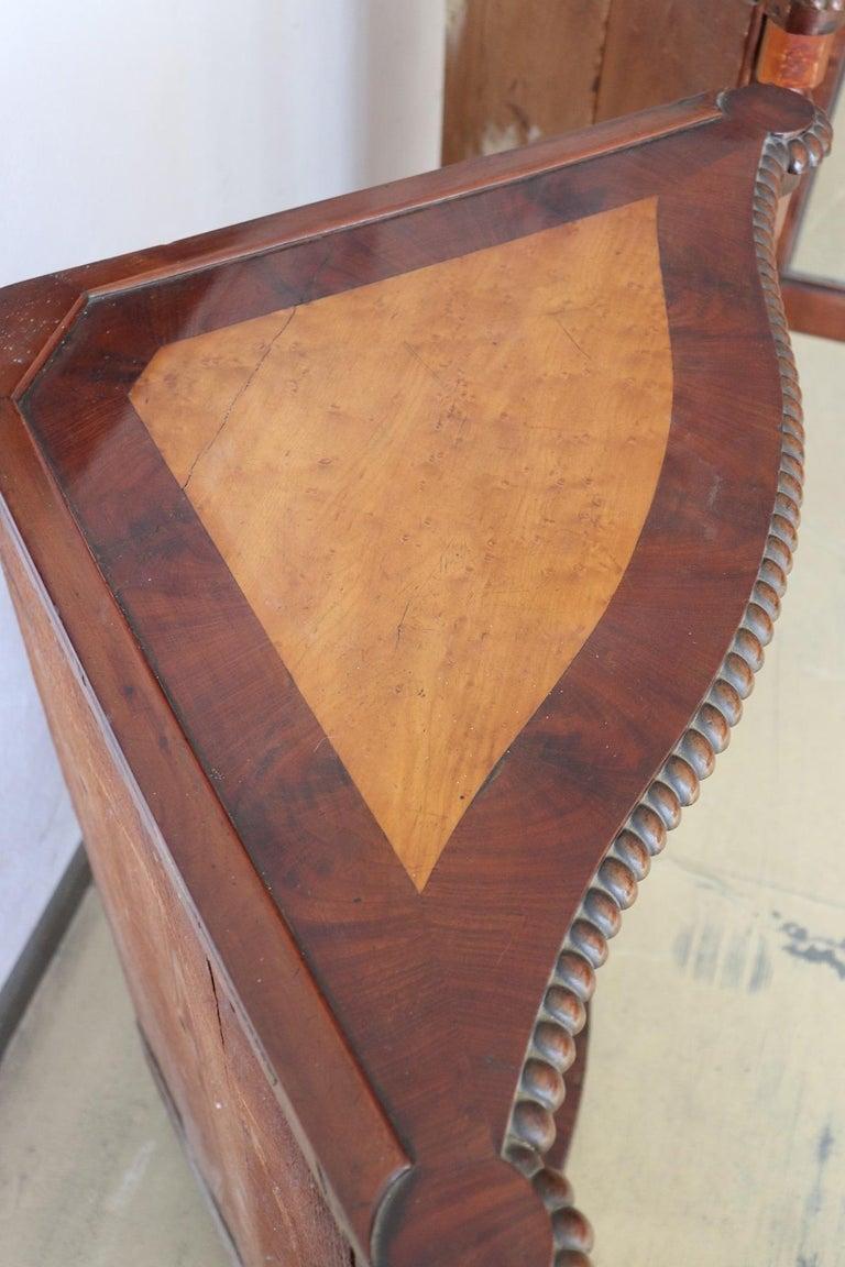 19th Century Italian Charles X Mahogany Pair of Corner Cupboard Corner Cabinet For Sale 7