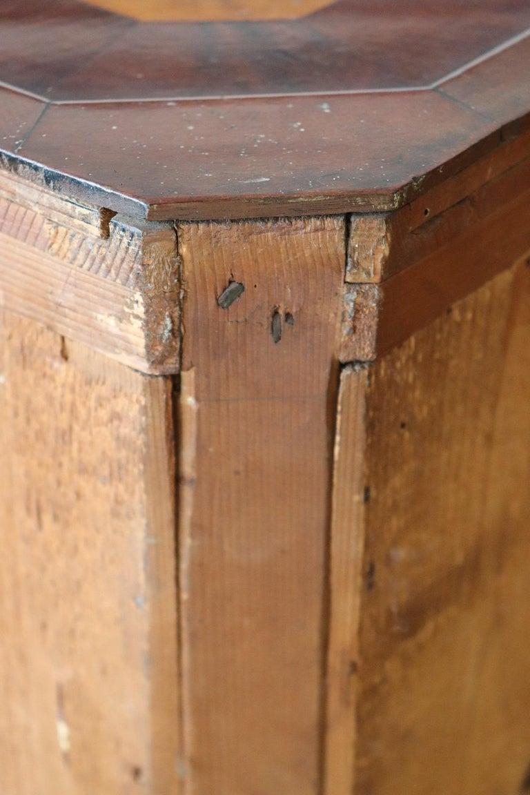 19th Century Italian Charles X Mahogany Pair of Corner Cupboard Corner Cabinet For Sale 8