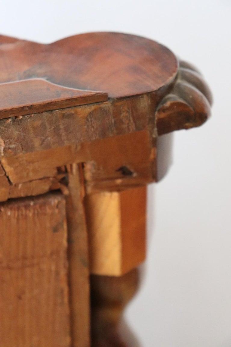 19th Century Italian Charles X Mahogany Pair of Corner Cupboard Corner Cabinet For Sale 12