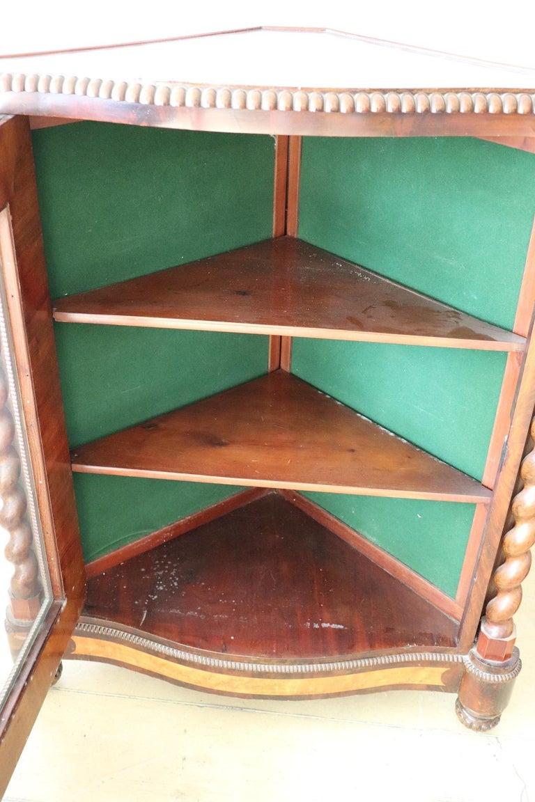 19th Century Italian Charles X Mahogany Pair of Corner Cupboard Corner Cabinet For Sale 4