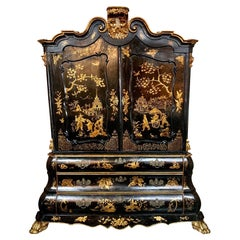 19th Century Italian Chinoiserie Decorated Linen Press