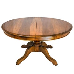 19th Century Italian Dining Room Extanding Oval Table Flamed Warm Walnut Table