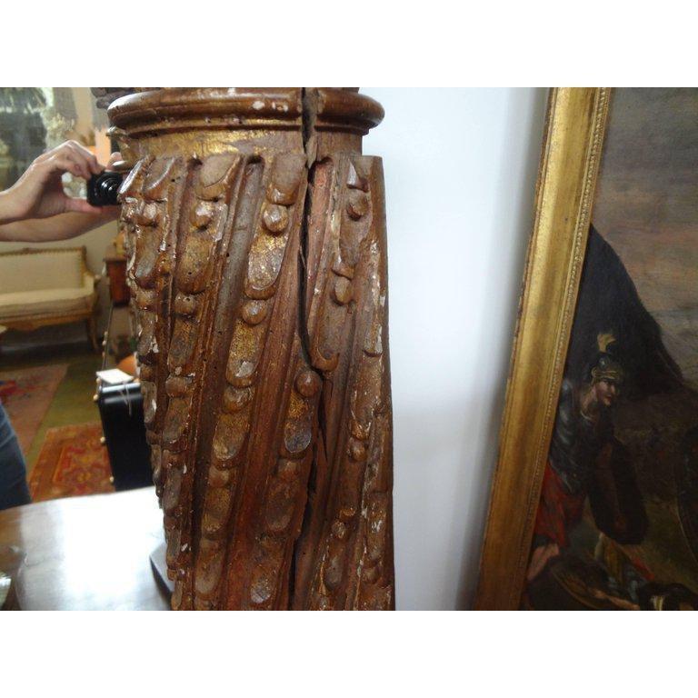 Neoclassical 19th Century Italian Giltwood Corinthian Column Lamp For Sale