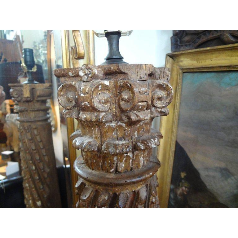 19th Century Italian Giltwood Corinthian Column Lamp In Distressed Condition For Sale In Houston, TX