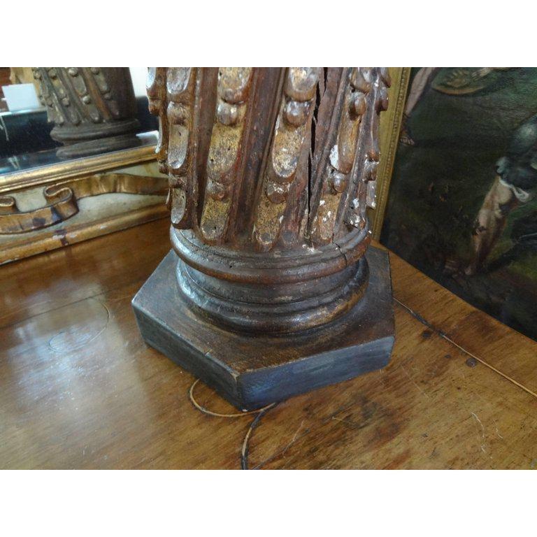 19th Century Italian Giltwood Corinthian Column Lamp For Sale 1
