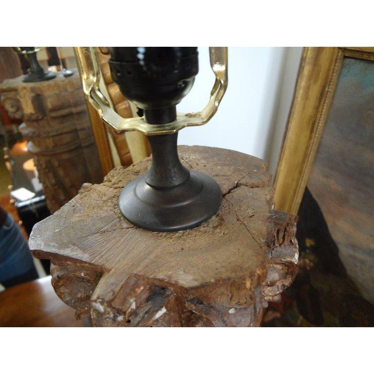19th Century Italian Giltwood Corinthian Column Lamp For Sale 2