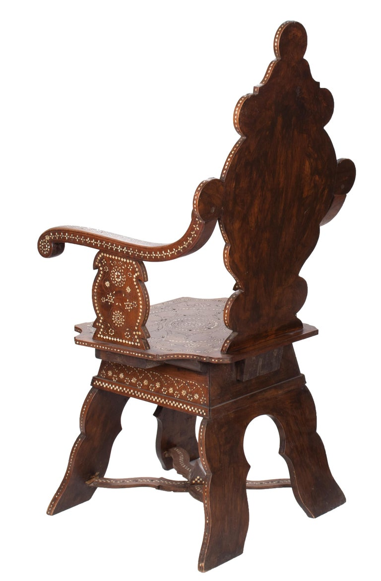 19th Century Italian Hand Carved Inlaid Armchair In Good Condition For Sale In Malaga, ES