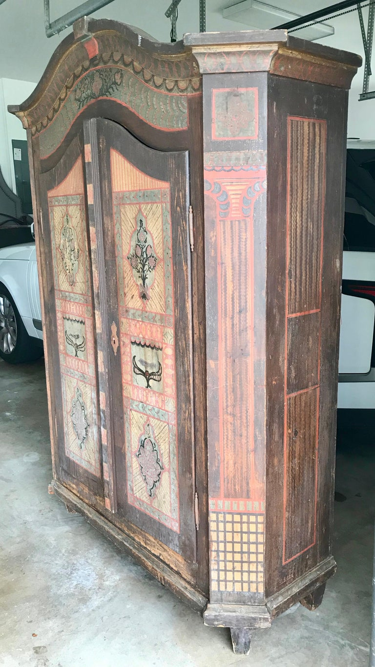19th Century Italian Hand Painted Side Cabinet / Armoire For Sale 16