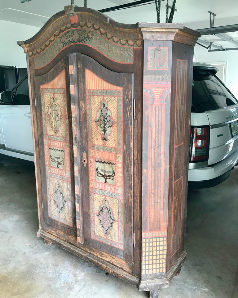 19th Century Italian Hand Painted Side Cabinet / Armoire In Good Condition For Sale In West Palm Beach, FL
