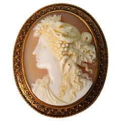 19th Century Italian High Relief Cameo Gold Brooch