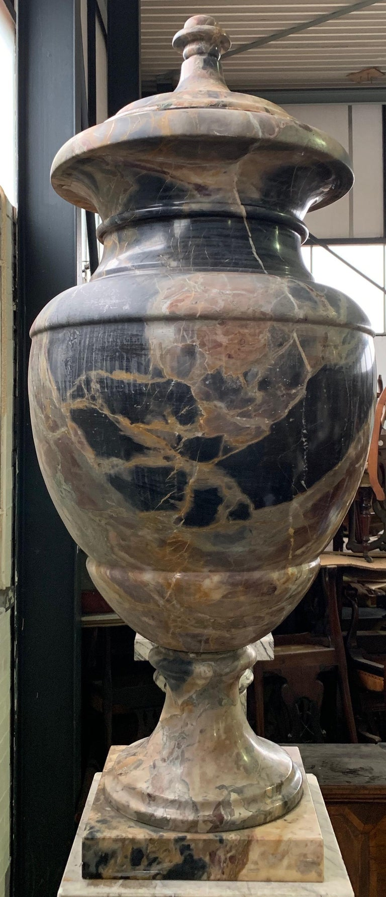 19th Century Italian Large Pair of Monumental Marble Urns For Sale 2