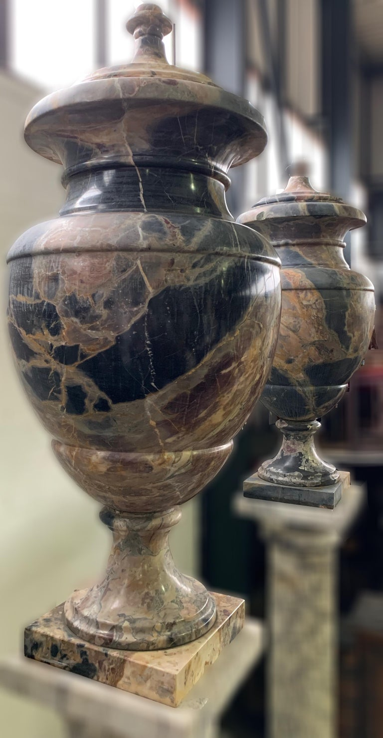 19th Century Italian Large Pair of Monumental Marble Urns For Sale 5