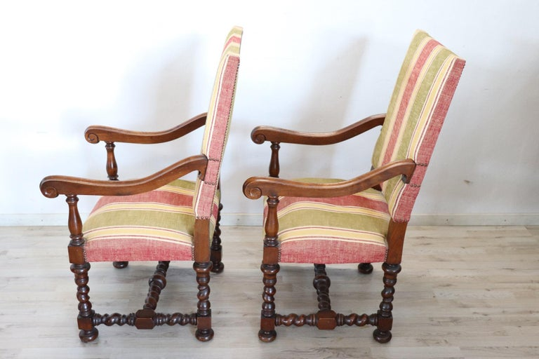 19th Century Italian Louis XIV Style Turned Walnut Pair of Armchairs For Sale 1