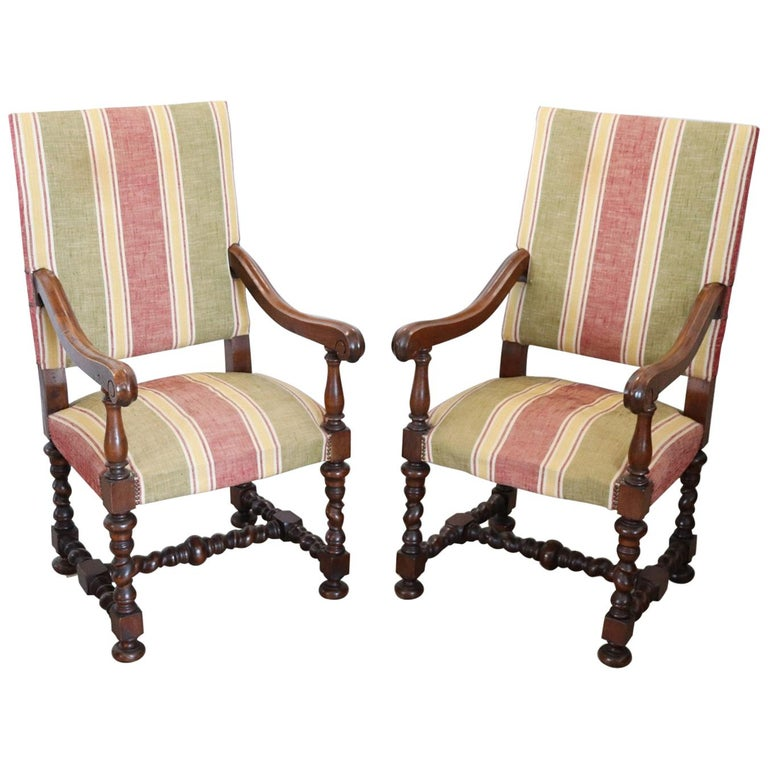 19th Century Italian Louis XIV Style Turned Walnut Pair of Armchairs For Sale