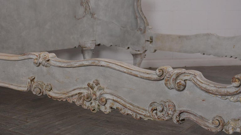 19th Century Italian Louis XVI Style Gilt painted Queen Size Bed In Good Condition For Sale In Los Angeles, CA