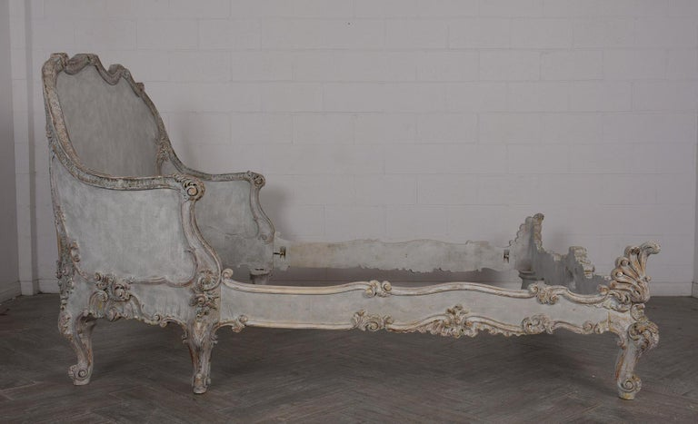 19th Century Italian Louis XVI Style Gilt painted Queen Size Bed For Sale 1