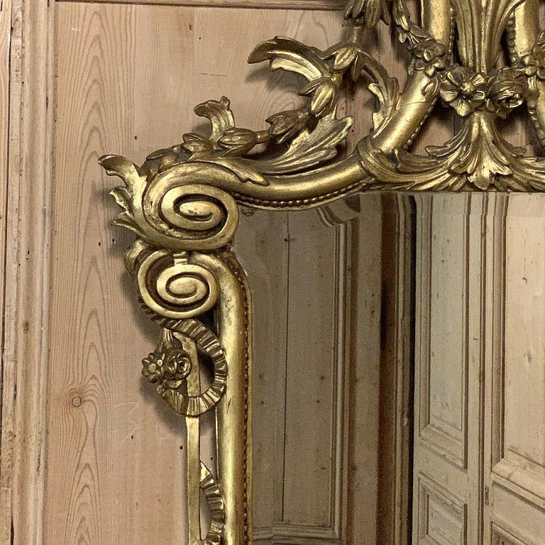 19th Century Italian Neoclassical Carved Giltwood Mirror For Sale 5