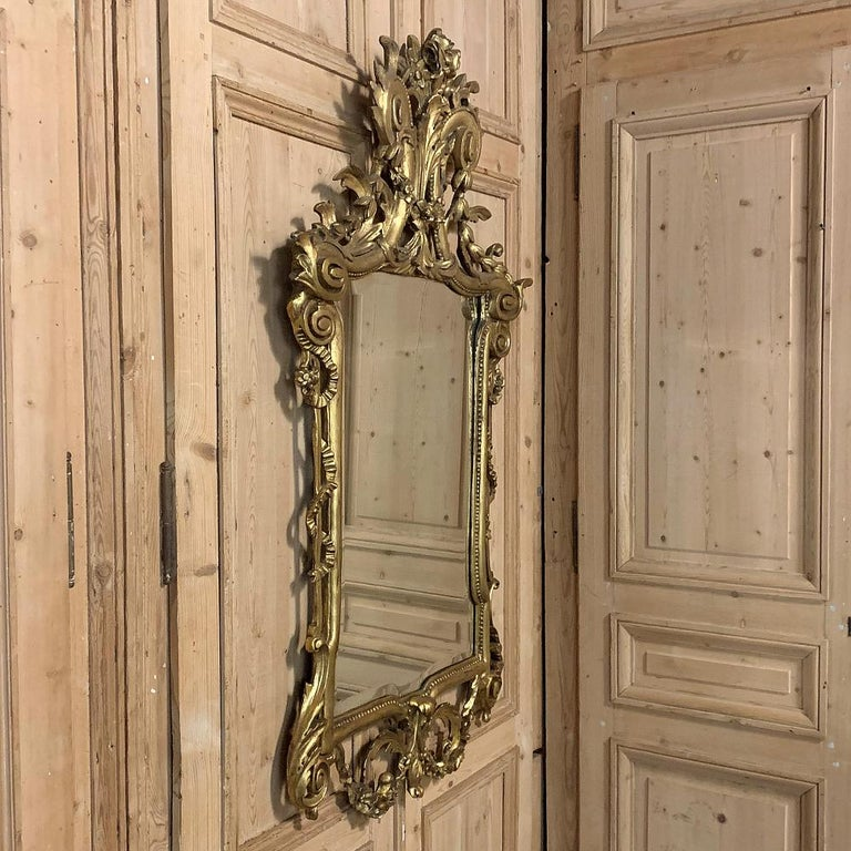 19th Century Italian Neoclassical Carved Giltwood Mirror In Good Condition For Sale In Dallas, TX