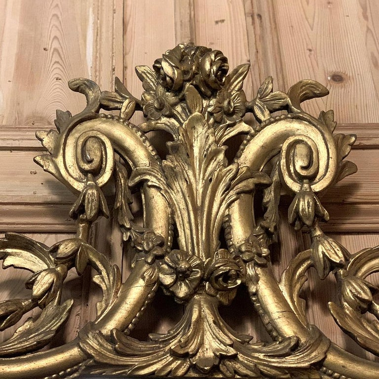 19th Century Italian Neoclassical Carved Giltwood Mirror For Sale 1