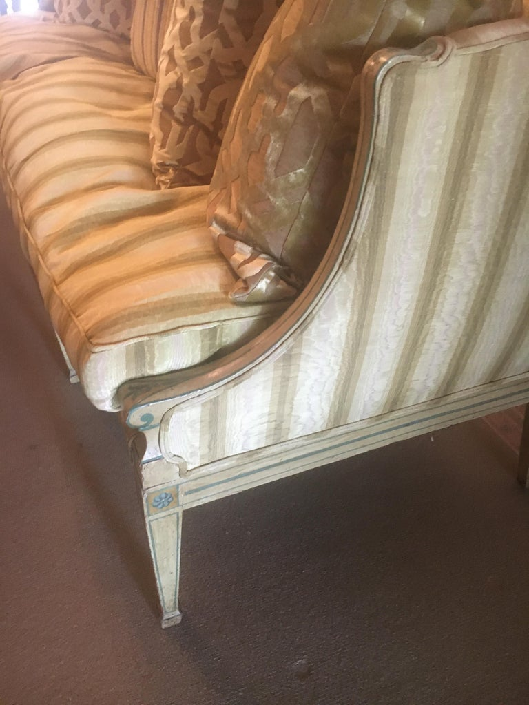 19th Century Italian Neoclassical Sofa with Painted Decoration In Excellent Condition In Buchanan, MI
