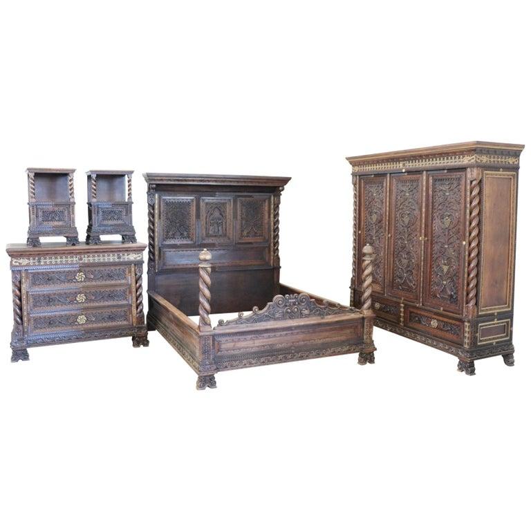 19th century italian renaissance style carved walnut - Renaissance style bedroom furniture ...