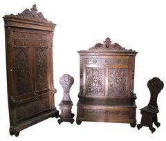 19th Century Italian Renaissance Style Walnut Carved Entrance Hall Set