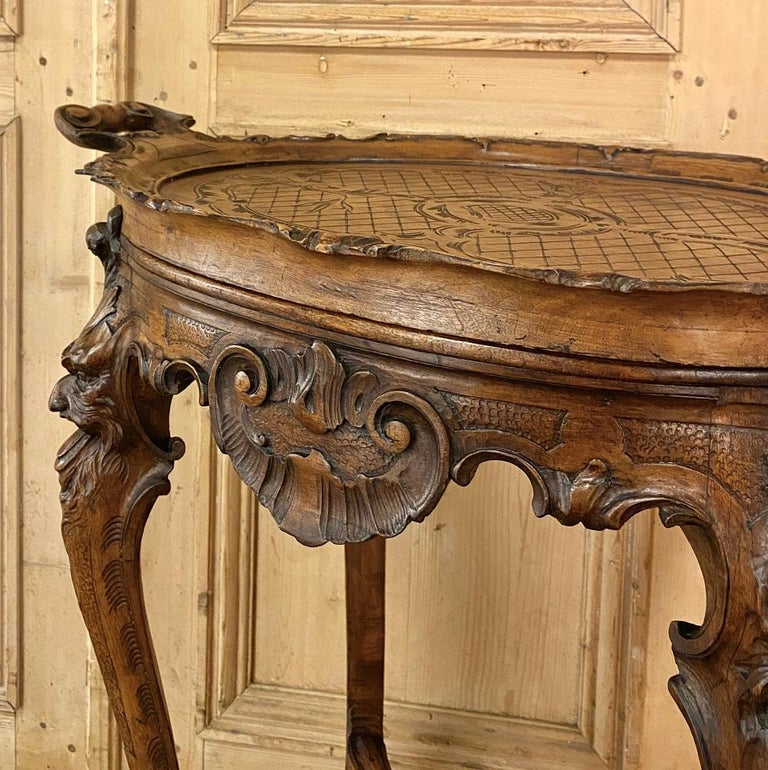 19th Century Italian Renaissance Walnut Serving Table with Tray For Sale 6