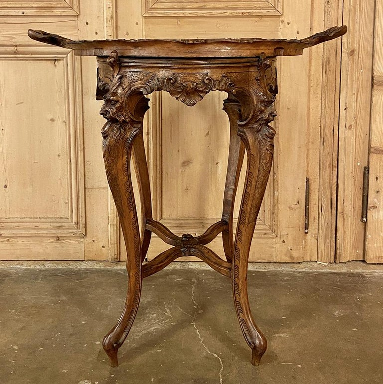 Hand-Carved 19th Century Italian Renaissance Walnut Serving Table with Tray For Sale