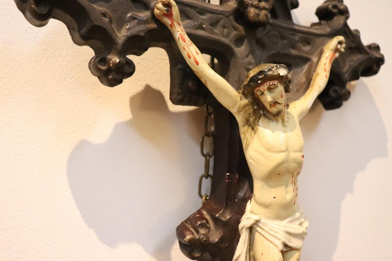 Carved 19th Century Italian Sculpture Jesus Christ on the Cross in Plaster For Sale