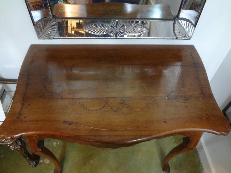 Régence 19th Century Italian Walnut Console Table For Sale