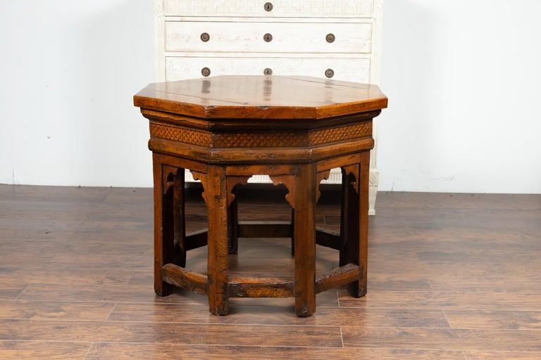 19th Century Italian Walnut Octagonal Table with Inlaid Trompe-L'œil Motifs In Good Condition For Sale In Atlanta, GA