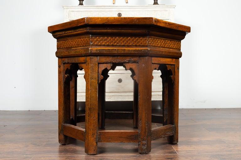 19th Century Italian Walnut Octagonal Table with Inlaid Trompe-L'œil Motifs For Sale 4