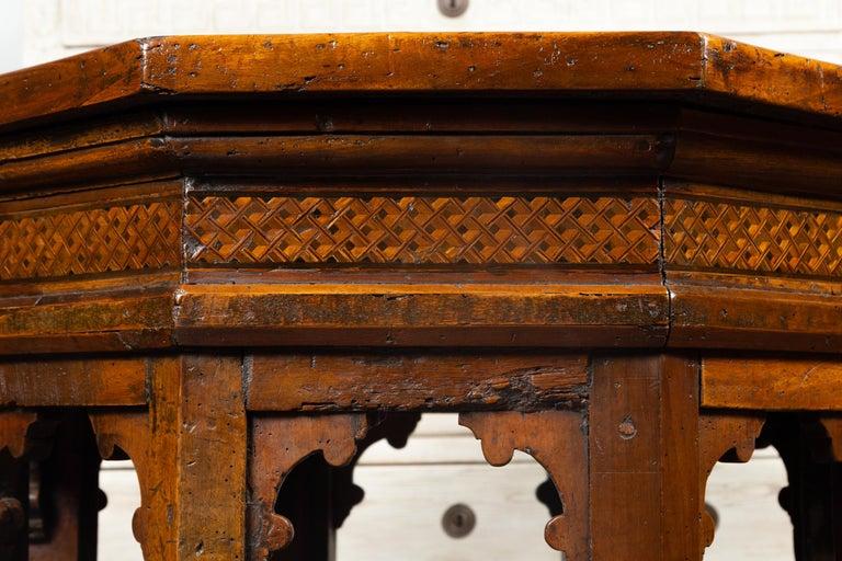 19th Century Italian Walnut Octagonal Table with Inlaid Trompe-L'œil Motifs For Sale 5