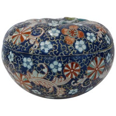 19th Century Japanese Porcelain Lidded Floral Bowl