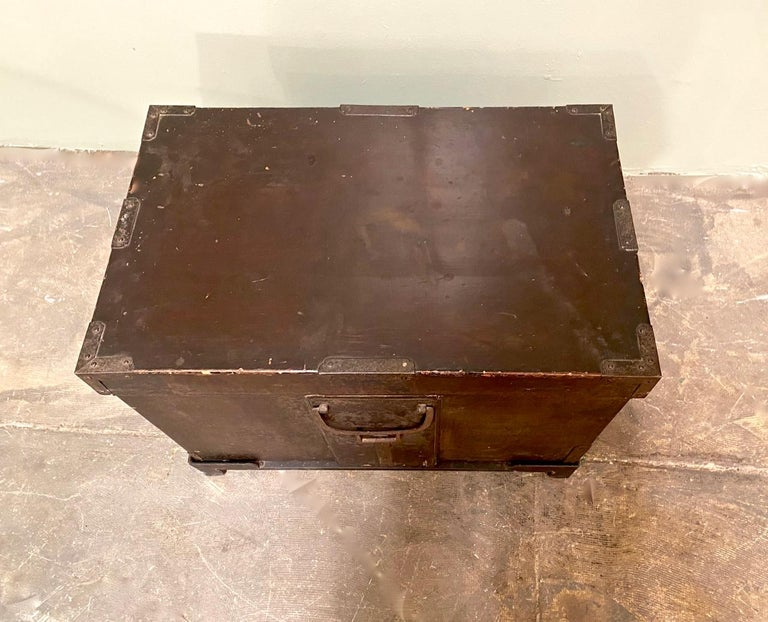 Japonisme 19th Century Japanese Trunk For Sale