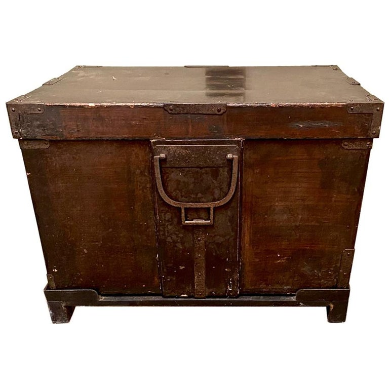 19th Century Japanese Trunk For Sale