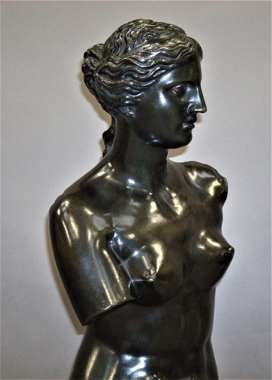 Italian 19th Century Large Bronze Grand Tour Sculpture of Venus de Milo For Sale