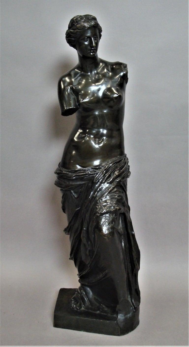 19th Century Large Bronze Grand Tour Sculpture of Venus de Milo In Good Condition For Sale In Moreton-in-Marsh, Gloucestershire