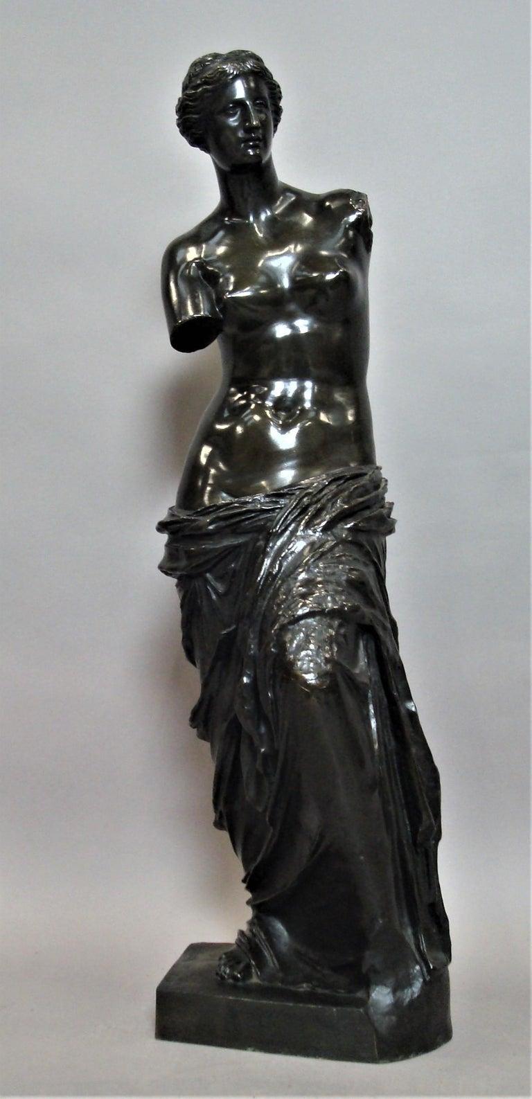 19th Century Large Bronze Grand Tour Sculpture of Venus de Milo For Sale 1