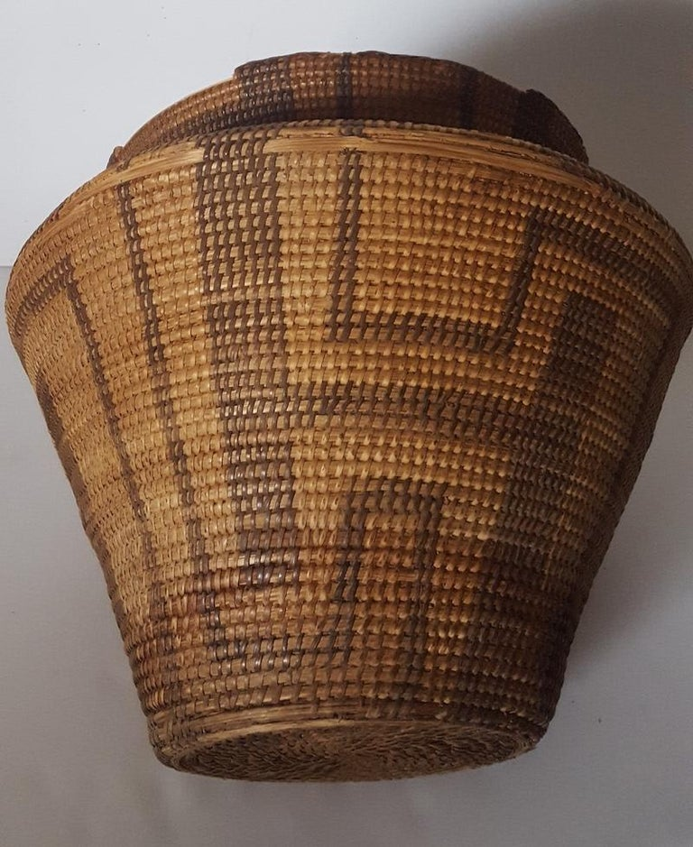 19th Century, Large Pima-Papago Native American Basket For Sale 1