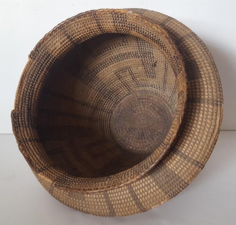 19th Century, Large Pima-Papago Native American Basket For Sale 3