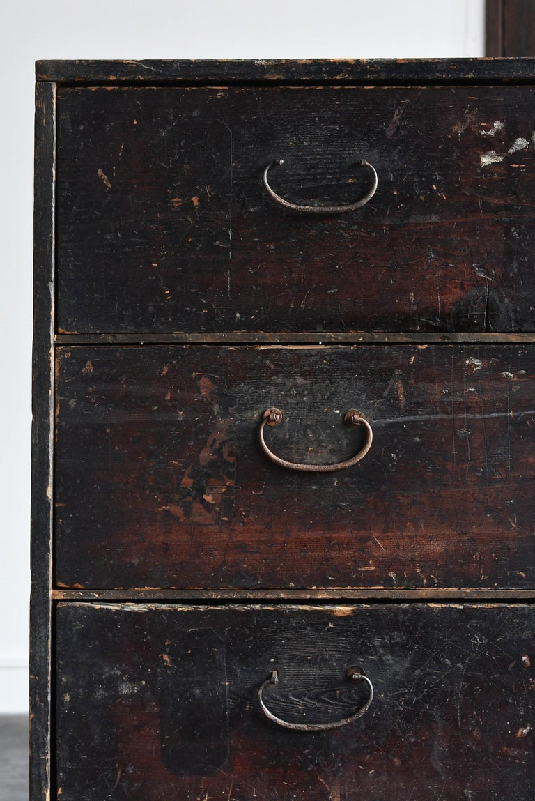 Japanese 19th Century Late Edo Period Meiji Period Wood Black Drawer Chest / Tansu Chest For Sale