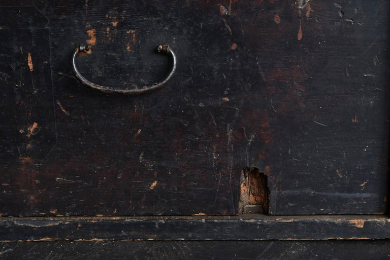 19th Century Late Edo Period Meiji Period Wood Black Drawer Chest / Tansu Chest For Sale 2