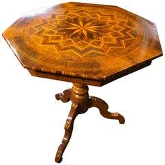 19th Century Louis Philippe Octagonal Walnut Table Rollo