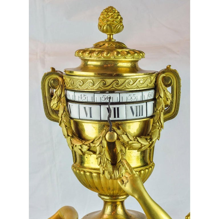 19th Century Louis XVI-Styl Ormolu and White Marble Mantel Clock  In Good Condition For Sale In New York, NY