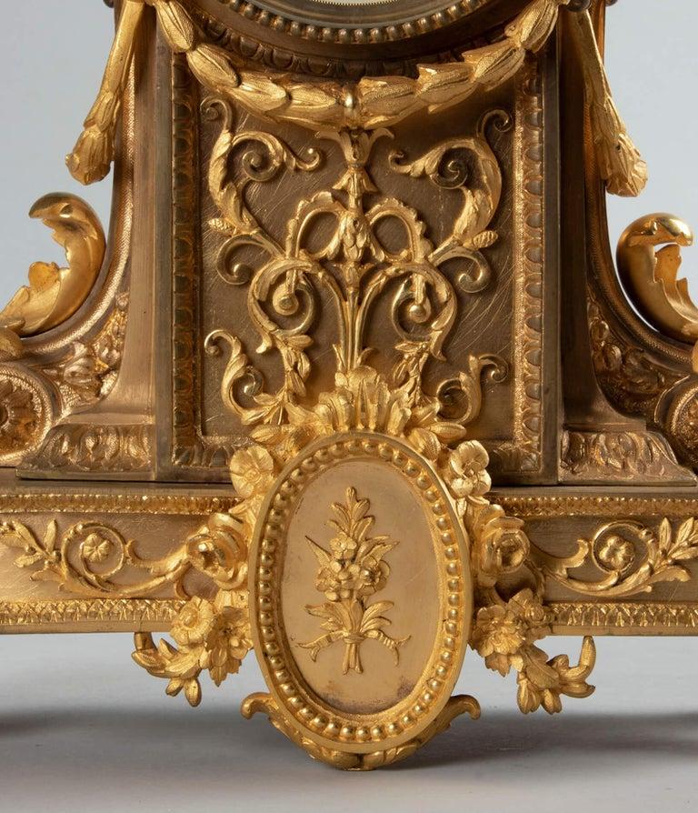 19th Century Louis XVI Style Bronze Ormolu Mantel Clock In Good Condition For Sale In Casteren, Noord-Brabant