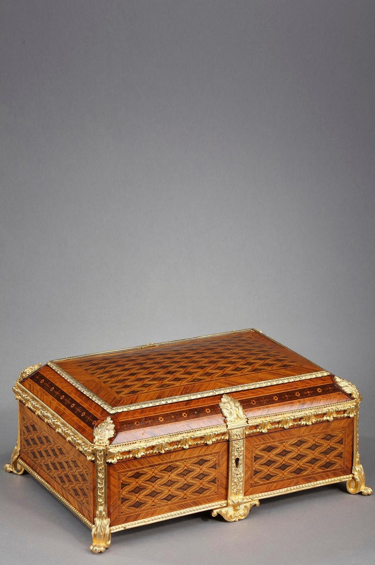 19th Century Louis XVI-Style Marquetry Jewelry Box For Sale 10