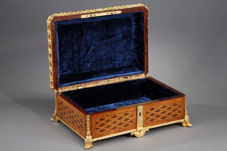 19th Century Louis XVI-Style Marquetry Jewelry Box For Sale 1