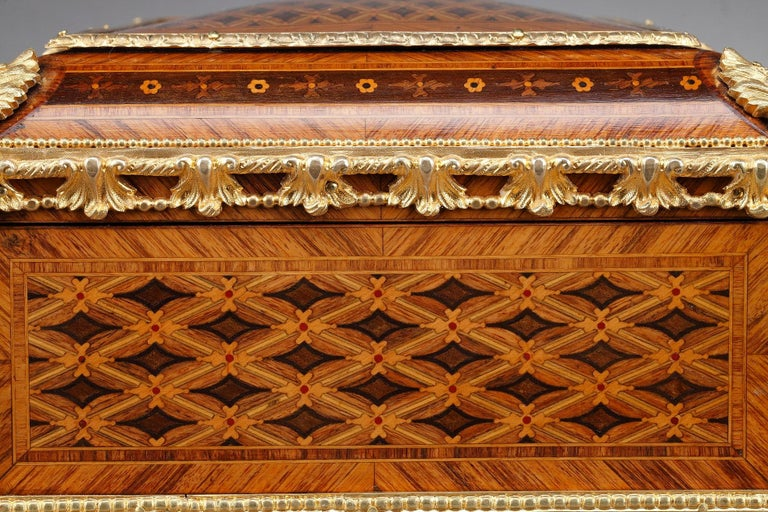 19th Century Louis XVI-Style Marquetry Jewelry Box For Sale 3