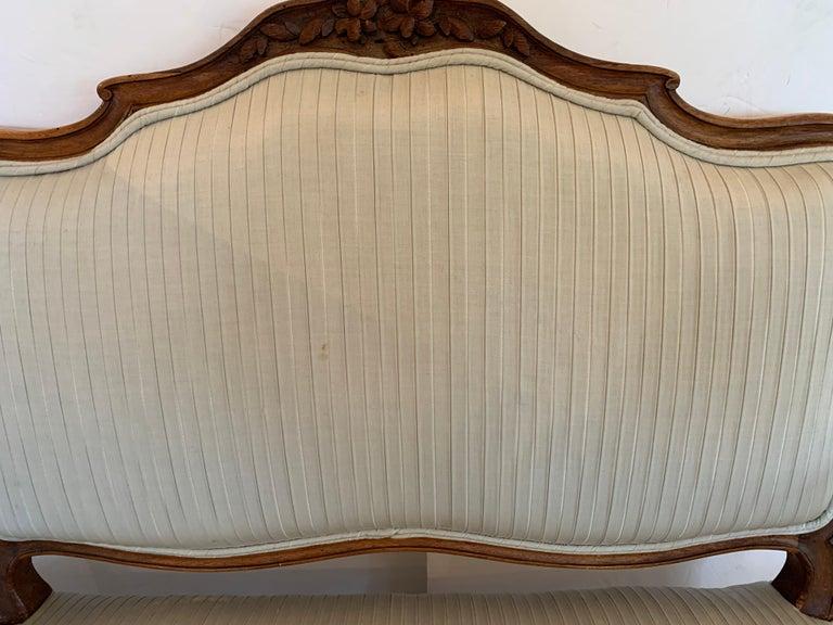 19th Century Lovely Louis XV Walnut Settee Loveseat For Sale 7